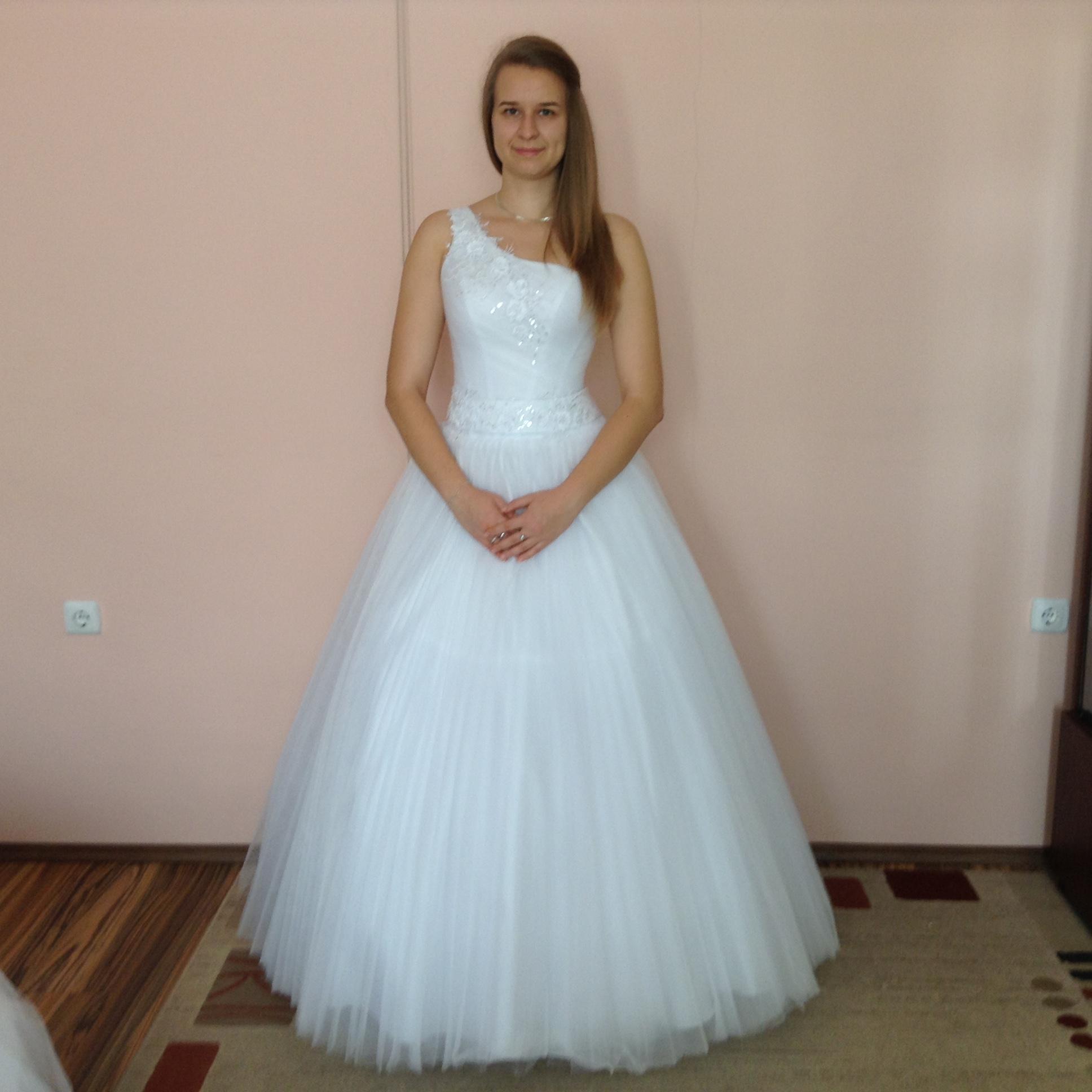 5e25b67d6d Noémi (NOE01) - Evelin Esküvői Ruhaszalon