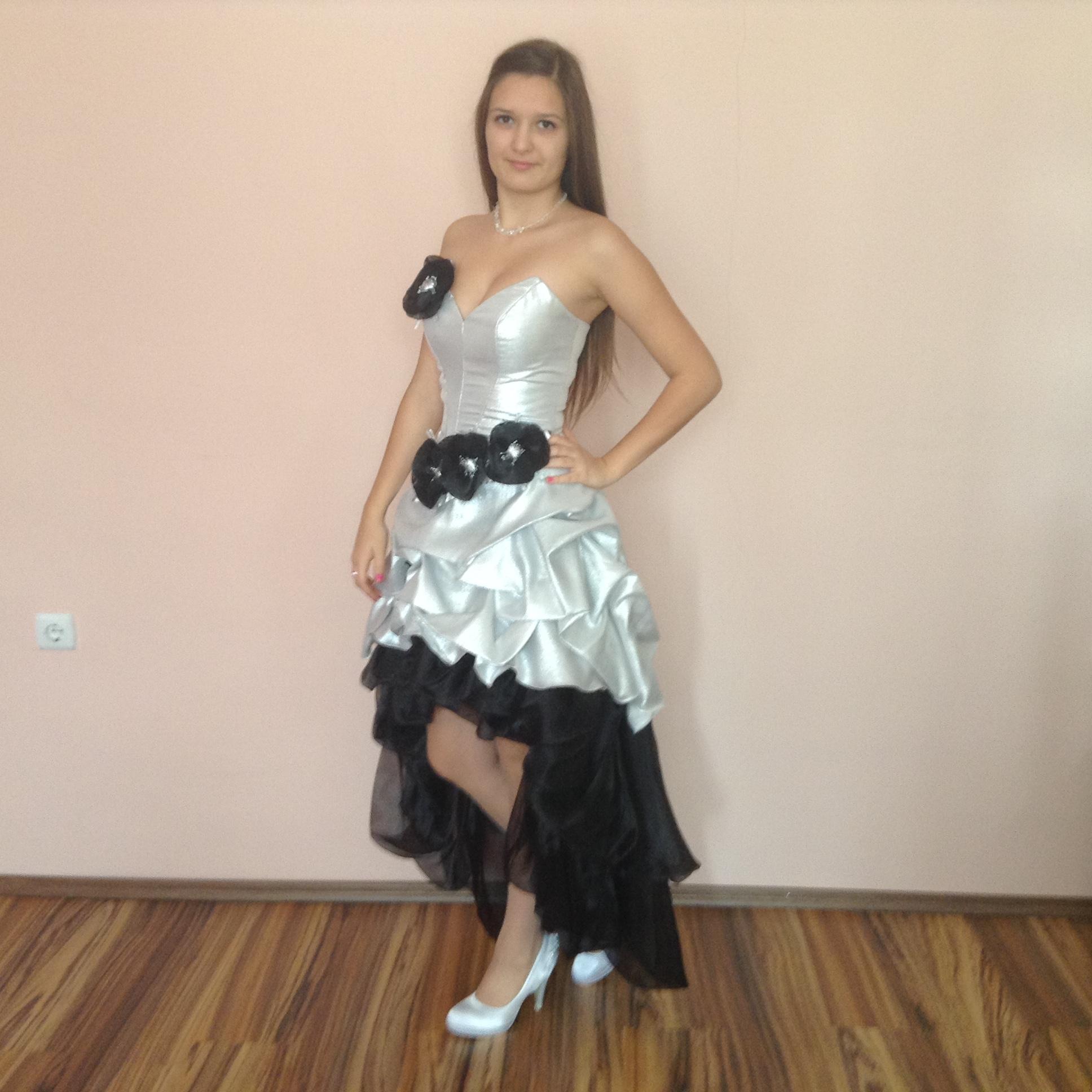 14726c2a13 Fekete ezüst koszsorúslány ruha (FE-3) - Evelin Esküvői Ruhaszalon