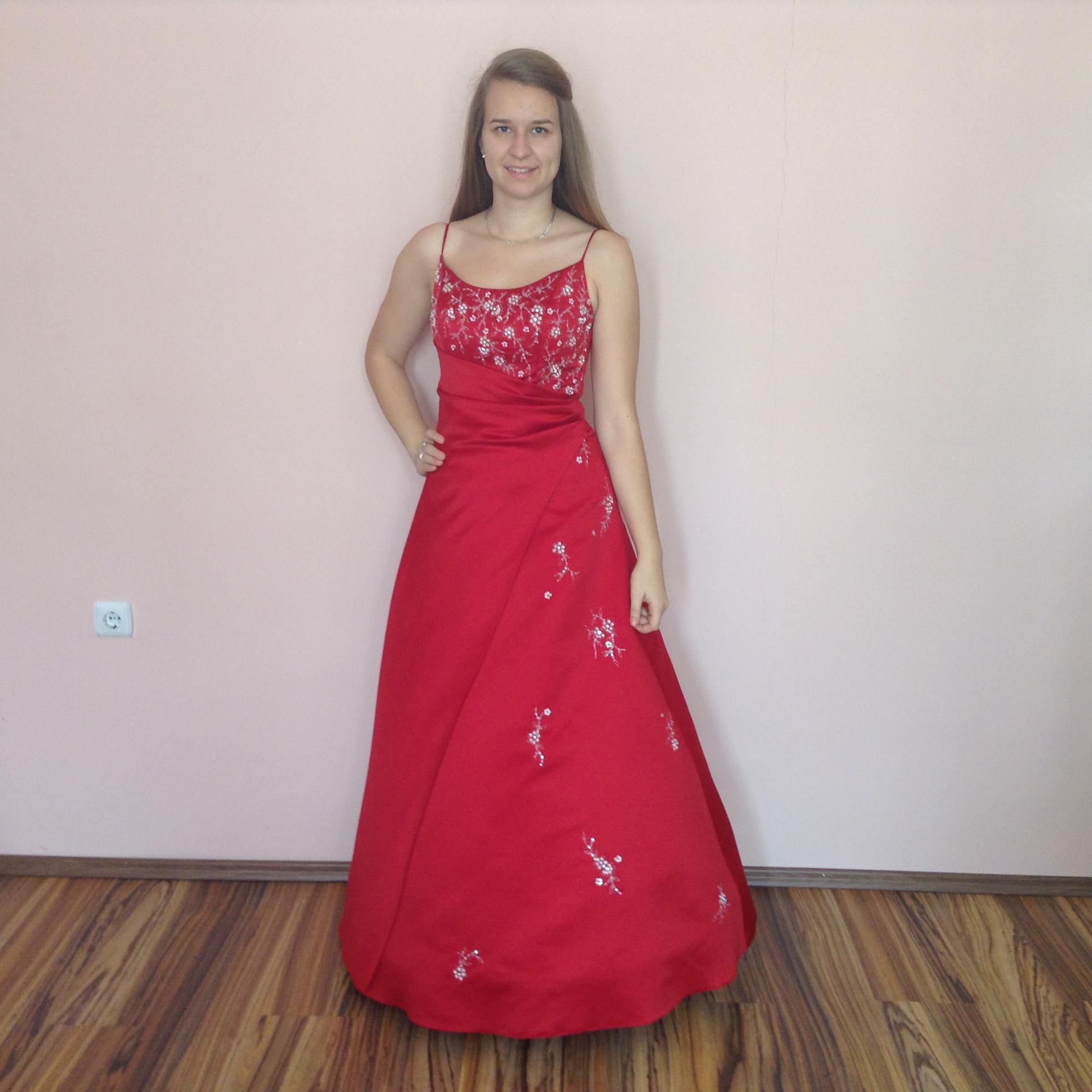 c5e946676 Piros koszsorúslány ruha (GDP-0058) - Evelin Esküvői Ruhaszalon